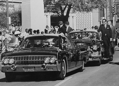 JFK motorcade enters dealy plaza seconds before oswald takes the fatal headshot