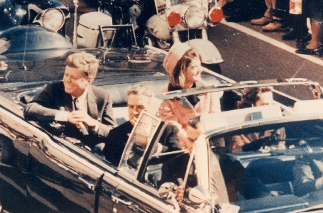 JFK motorcade enroute to dealy plaza