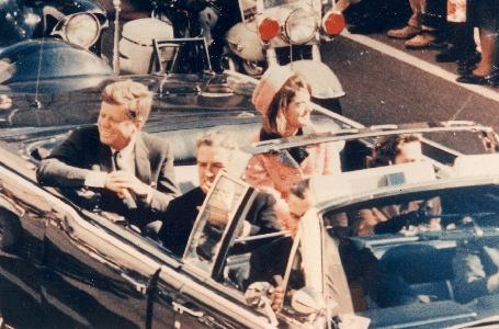 JFK motorcade enroute to dealy plaza